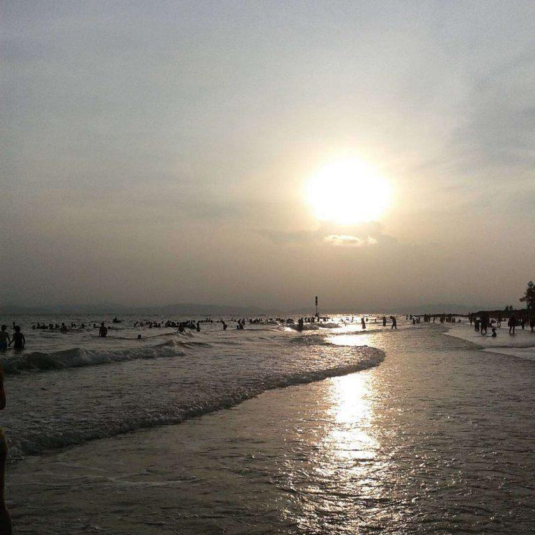 bãi biển Vàn Chảy ở Đảo Cô Tô