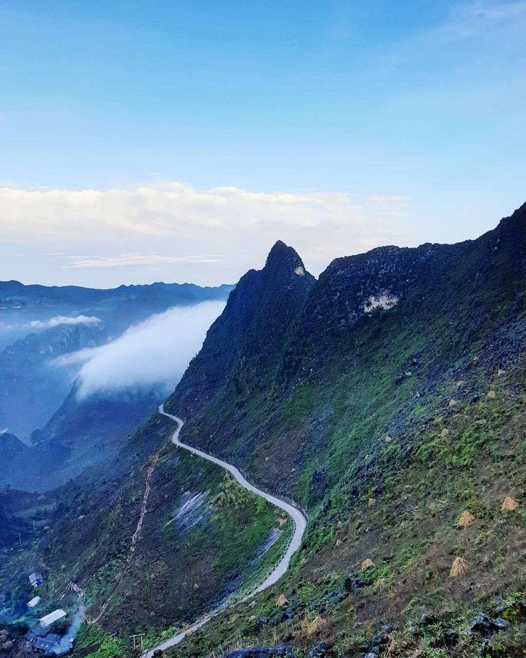 đoạn đường đèo ở Hà Giang