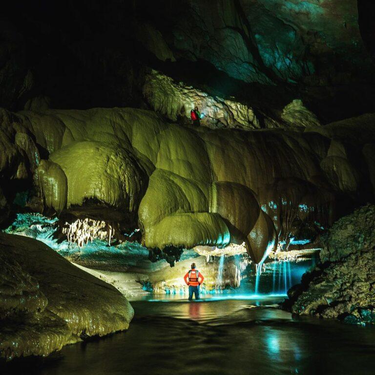 nét hoang sơ của hang Va, Quảng Bình