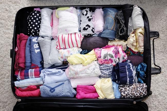 không nên mang quá nhiều quần áo khi đi du lịch